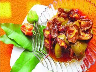কামরাঙা ঝাল মরিচে আমের টক মিষ্টি আচার